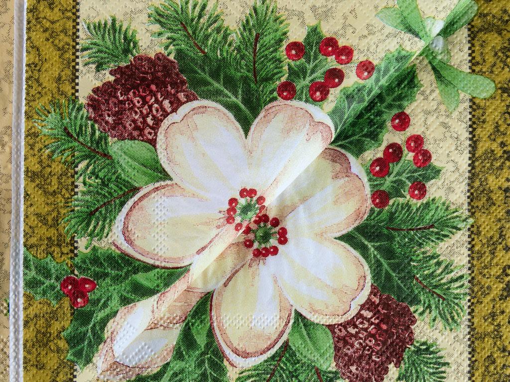 Happy New Year Kağıt 22 Adet Kağıt Peçete 33x33 Cm Bej - Açık Kahve