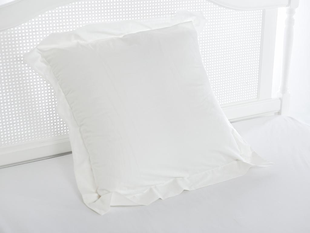 Düz Pamuklu Tekli Yastık Kılıfı 70x70 Cm Kırık Beyaz