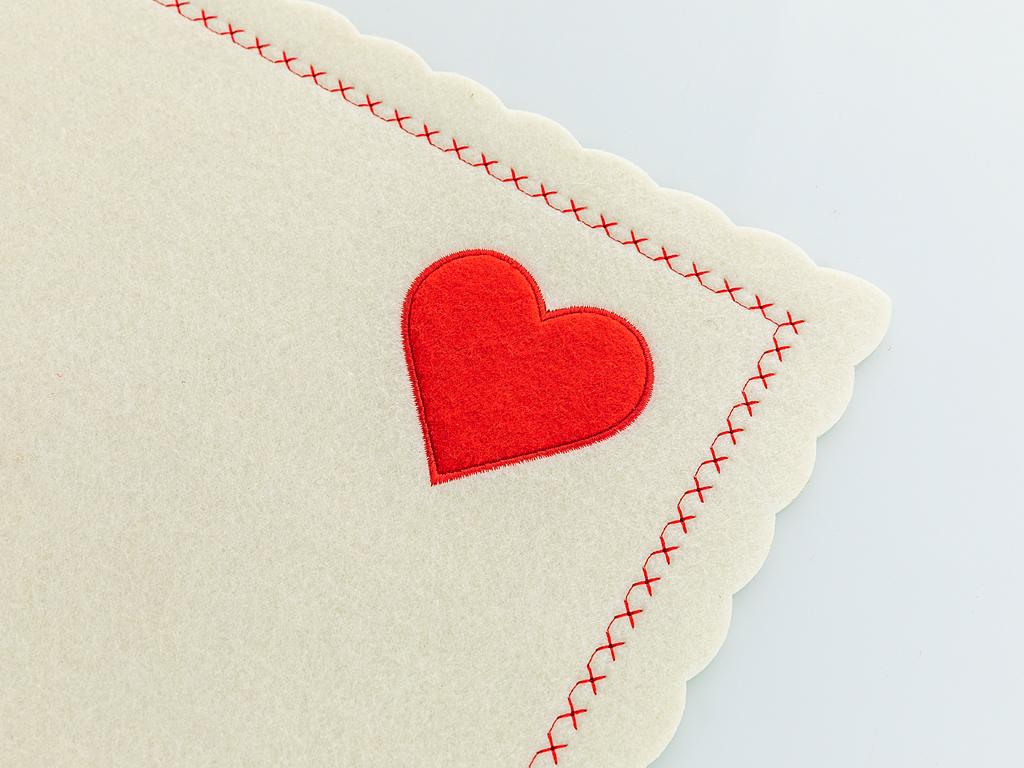 Sweet Love Keçe 4'lü Set Amerikan Servis Standart Kırmızı - Beyaz