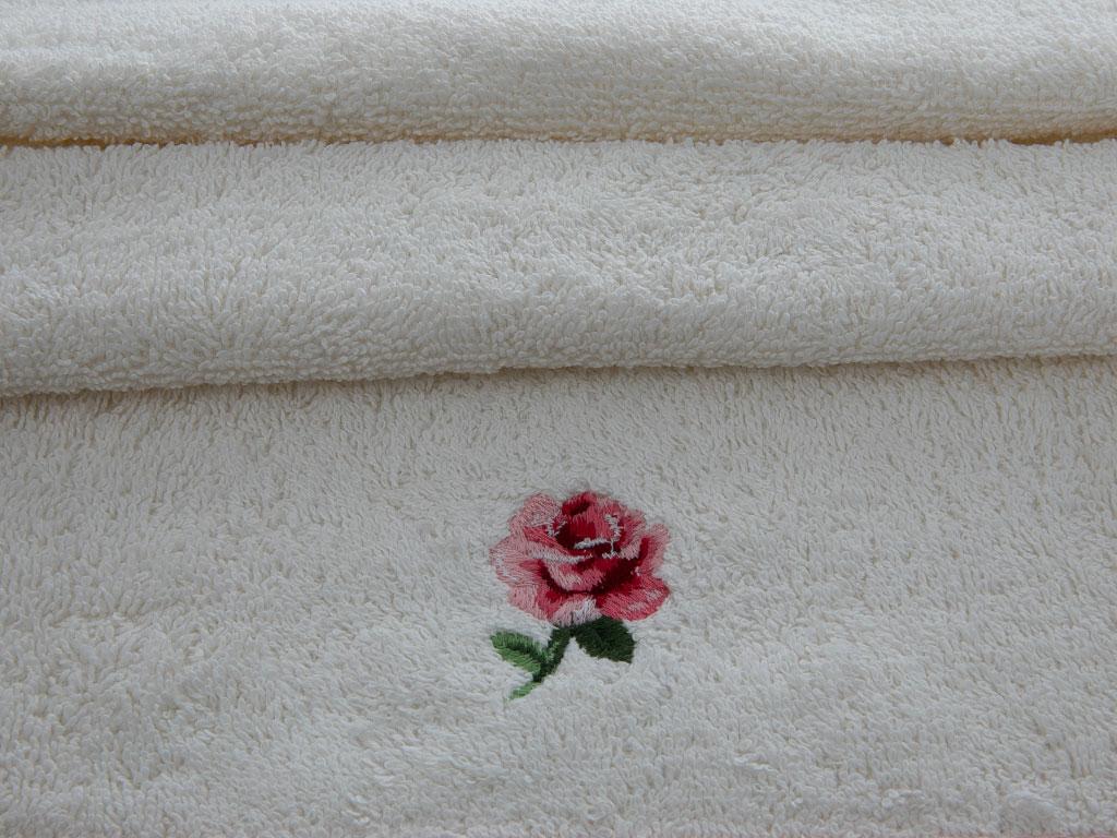 Chic Rose Nakışlı El Havlusu 30x45 Cm Krem