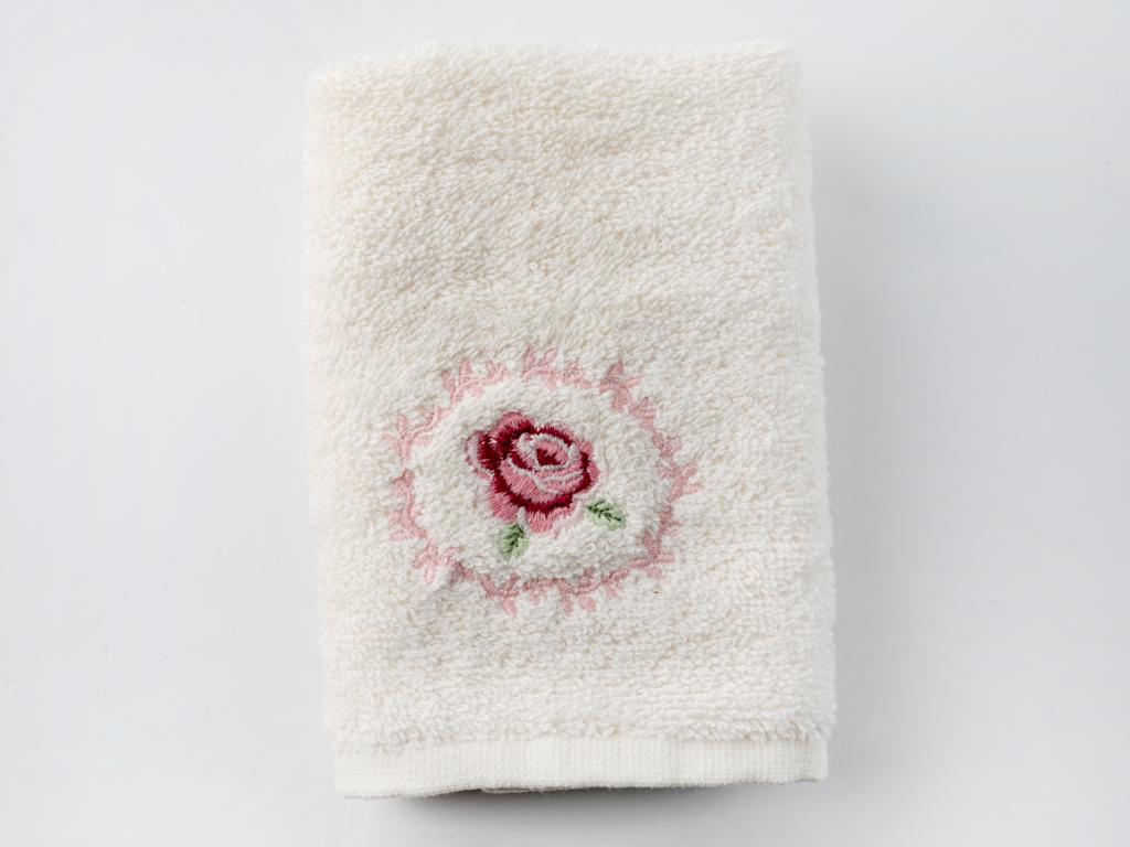 Majestic Rose Nakışlı El Havlusu 30x45 Cm Krem
