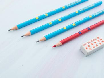 Robot Silgi - Kalemtraş Kalem 10,5x24,0 Cm Kırmızı - Beyaz - Lacivert