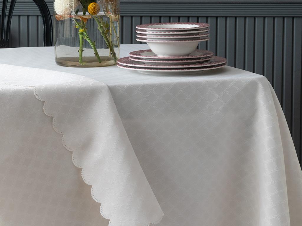 Adela Polyester Masa Örtüsü 150x200 Cm Taş Rengi