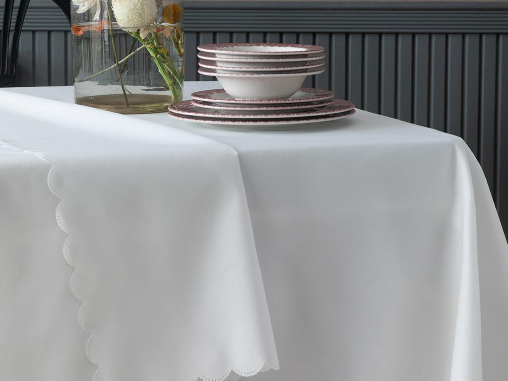 Alanza Polyester Masa Örtüsü 150x200 Cm Ekru