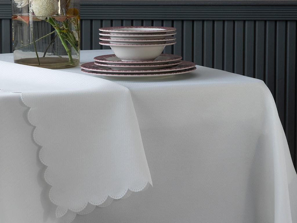 Celena Polyester Masa Örtüsü 150x200 Cm Ekru
