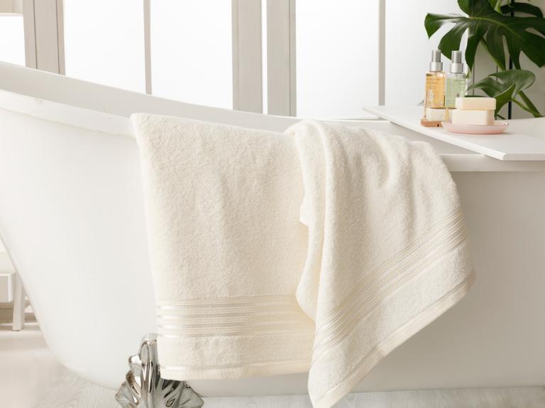 Romantic Stripe Floşlu Banyo Havlusu Takımı 50x85cm + 70x150cm Ekru
