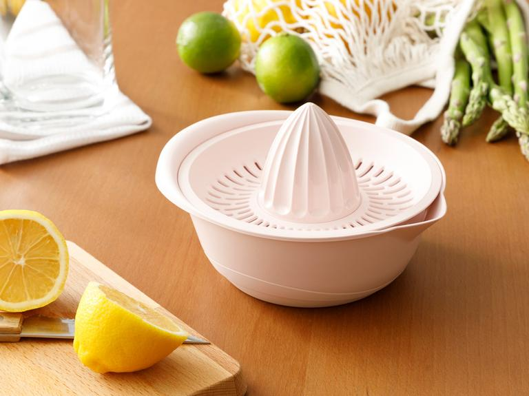 Lily Plastik Kaymaz Taban Limon Sıkacağı 0,6 L Pudra
