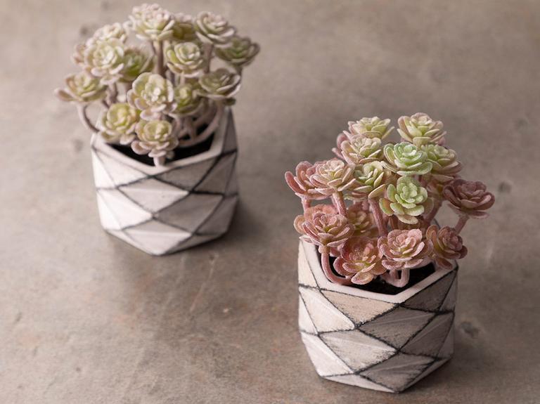 Succulent Ball Çimento Vazolu Yapay Çiçek 11,5x11,5x11,8 Cm Pembe