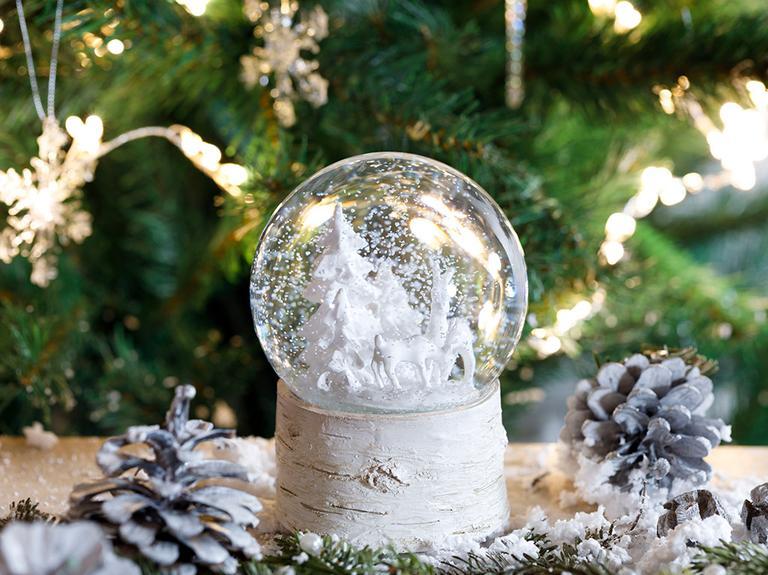 Snow Tree Stone Powder/polyresin Müzikli Kar Küresi 10x10x14,3 Cm Beyaz