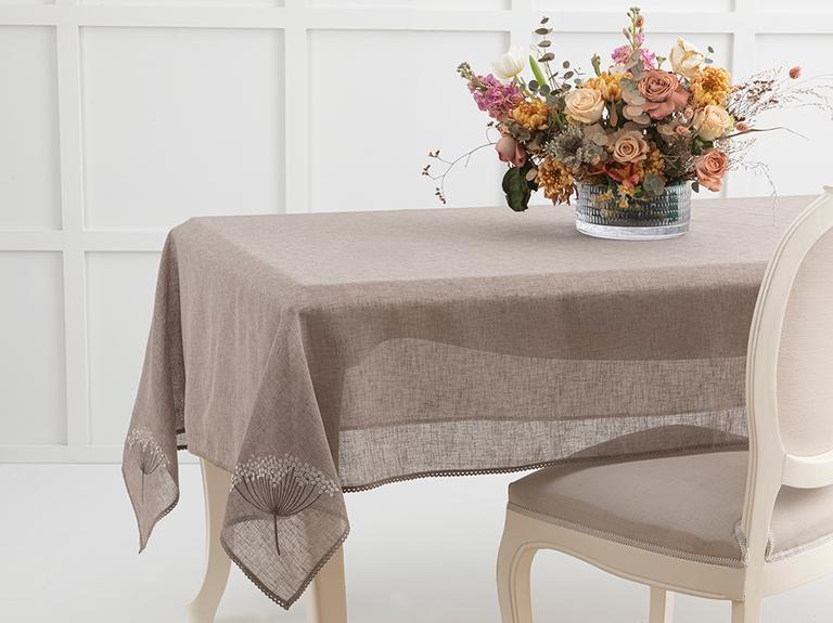 Flowers Nakışlı Linen Masa Örtüsü 150x200 Cm Koyu Bej
