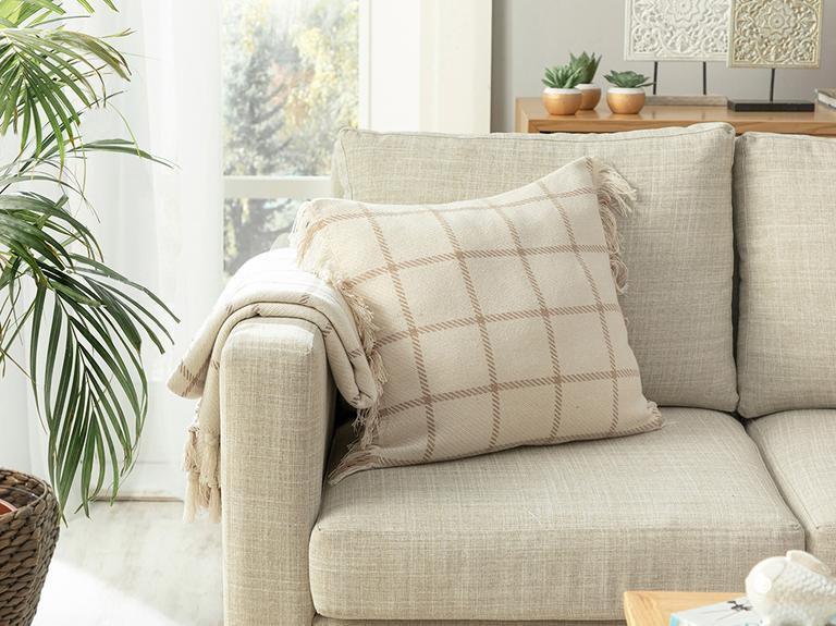 Elegant Lines Pamuk Polyester Dolgulu Kırlent 45x45 Cm Bej