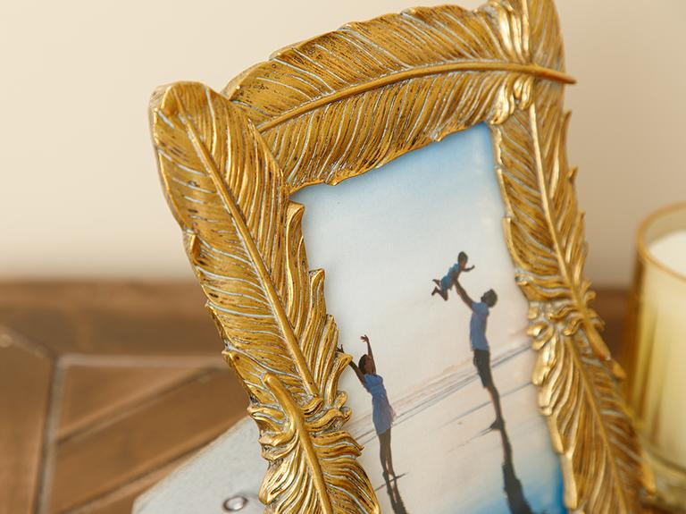 Feathers Çerçeve 17.5x23x1.8cm Gold