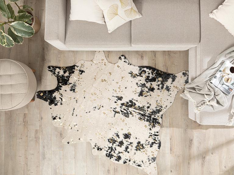 Cow Baskılı Varak Baskılı Post 150x200 Cm Siyah