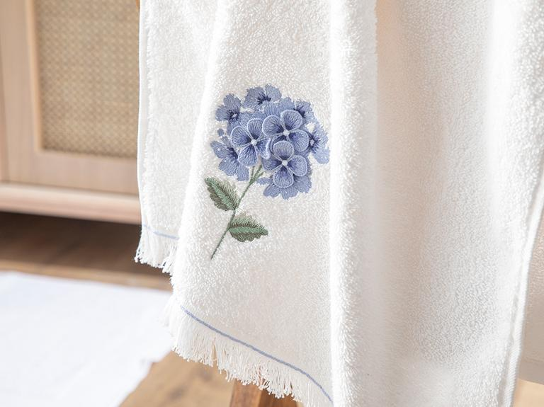 Hydrangea Garden Aplikeli Yüz Havlusu 50x80 Cm Ekru - Mavi