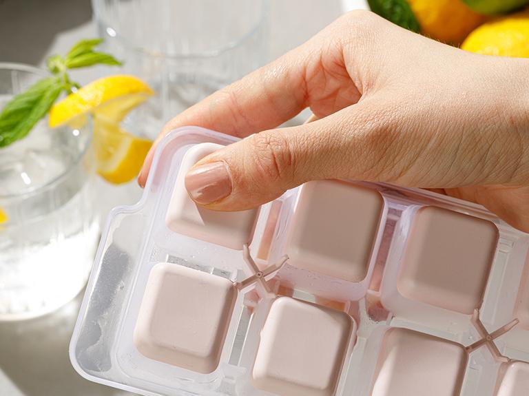 Simply Plastik Kapaklı Buz Kalıbı 8,9x25,3x3,9 Cm Pudra