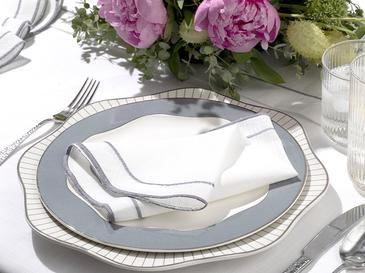 Arzu Sabancı Adora Polyester 4'lü Misafir Peçetesi 40x40 Cm Beyaz - Gri